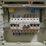 ustanovka-zamena-elektricheskih-avtomatov-zaporozhje